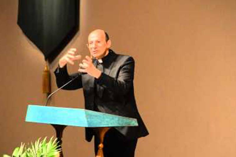 Adressing the 'Living Word Fellowship' Church members as a Palestinian Christian - Houston, Texas